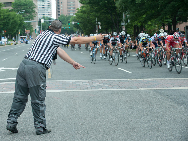 How to become a cycling referee